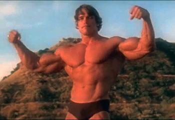Arnold Schwarzenegger posando en su etapa como culturista