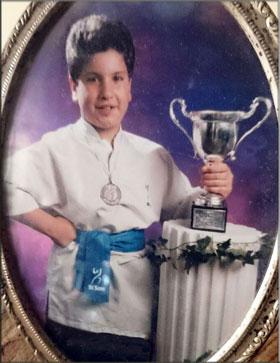 Breo con el trofeo de subcampeón gallego de Kung Fu