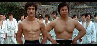 "Bruce Lee y Bolo Yeung en ""Enter the Dragon"""
