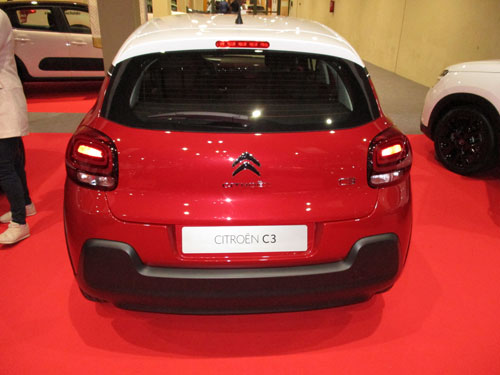 Nuevo Citroën C3 desde atrás.