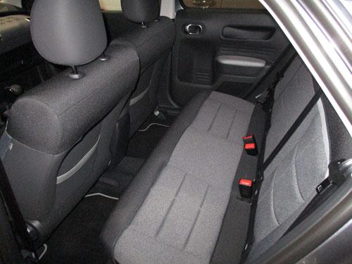 Citroën C4 Cactus, parte interior trasera.