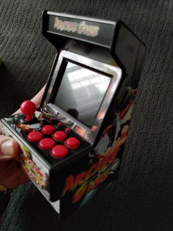 Parte lateral de la New Street Fighter Home Arcade.