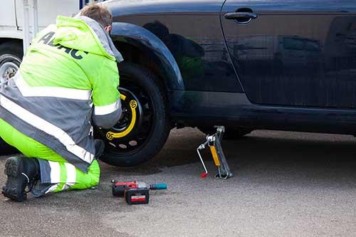 Pasos para comprobar la presión de los neumáticos