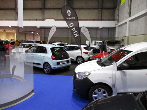 Renault expuso vehículos nuevos y de Km 0 en el Salón del Automóvil.