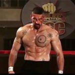 Scott Adkins en Invicto 4
